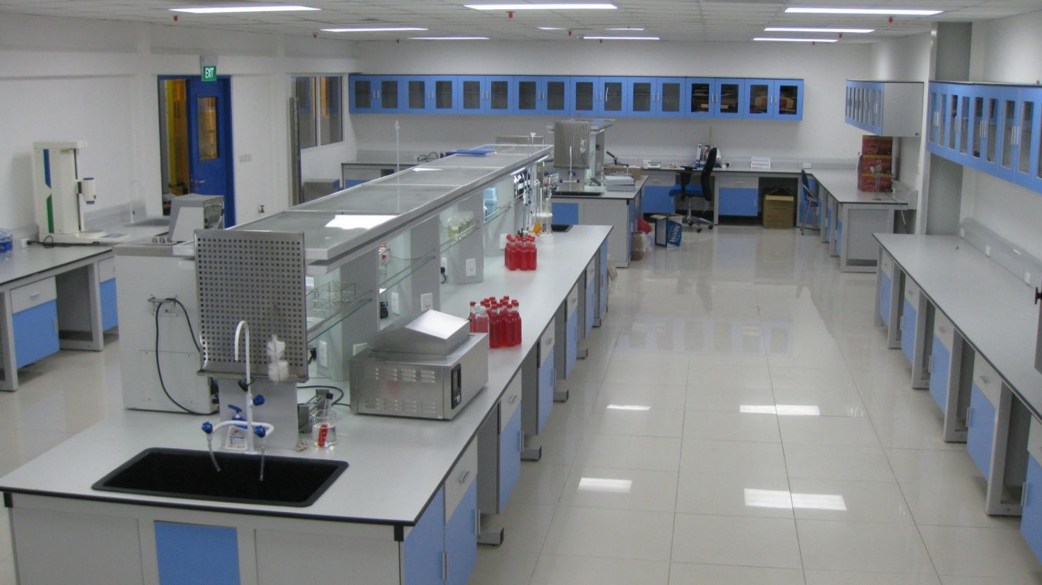 noi-that-phong-lab.jpg